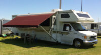 PRICE REDUCED -- 1999 Ford Fun Mover Toy Hauler C Motorhome