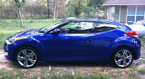 2013 Hyundai Veloster TECH/NAVI. 43000km, 2 sets of tires, auto.