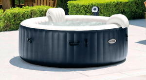 Portable 4 man hot tub