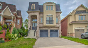 BEAUTIFUL 3-STOREY HOUSE FOR LEASE IN OAKRIDGES RICHMOND HILL