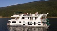 House Boat vacation in Shuswaps!! Save some money!