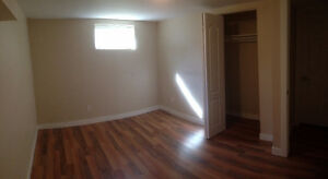 Bedroom w. shared kitchen & living room (Includes utilities)