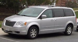 2008 Chrysler Town & Country Limited Minivan, Fully loaded