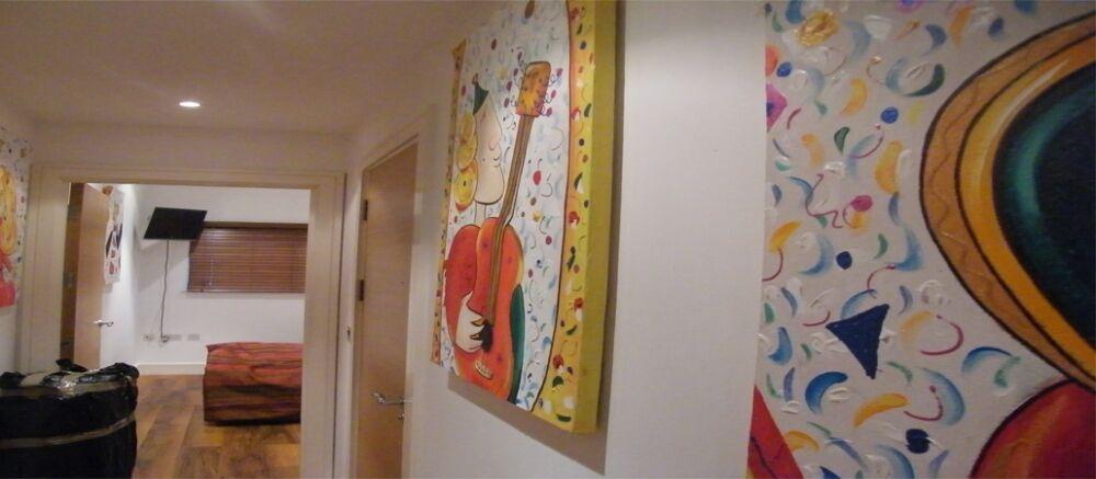 2 bedroom flat in Queenstown Road, London, SW8