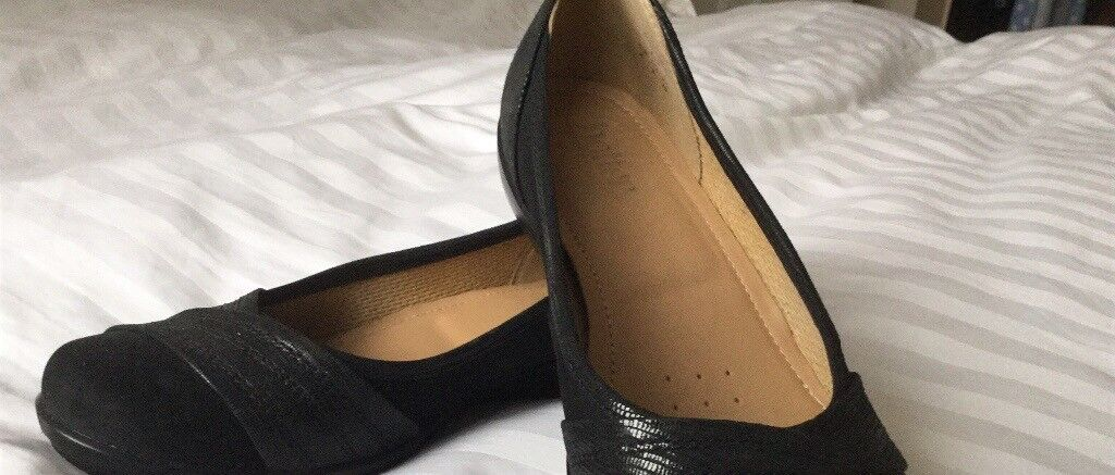 105ce563e12e Hotter Wide fitting shoes