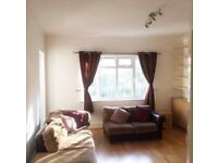 FANTASTIC 3 DOUBLE BEDROOM 2 BATHROOM FLAT IN POPULAR BLOCK WITH GARDENS NR ZONE 3 TUBE & BUSES