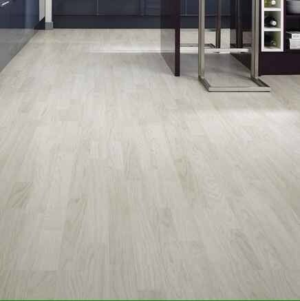 Laminate Flooring White Washed Oak Howdens In