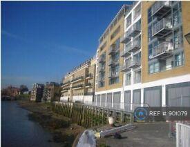 3 bedroom flat in Chinnocks Wharf, London, E14 (3 bed) (#901079)