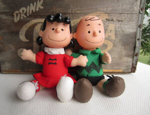 VINTAGE CHARLIE BROWN & LUCY DOLLS