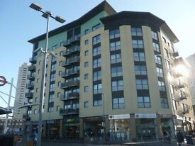 NO AGENTS: A Well presented, furnished 2 bed flat in a purposed built block in Edmonton Green