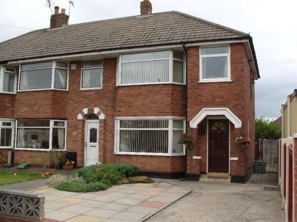 3 Bed House to rent with drive. Good area, new boiler, low ...