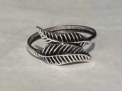 Sterling Silver 925 Toe Ring Intertwined Leaves Design Adjustable Flexible