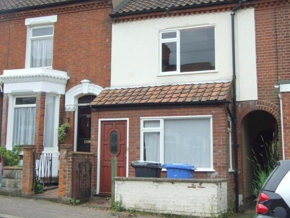 Lincoln Street - One Double Room to Rent until the April the 20th 2018
