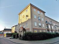 Stunning spacious two bedroom ground floor flat in Beckton, E6.