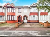 Lovely, Spacious Four Bedroom House - Barking - IG11