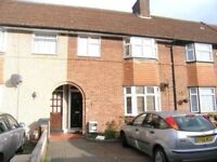 Single Bedroom to let in a Beautiful Three bedroom house in Dagenham
