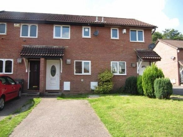2 bed mid terrace House to rent in