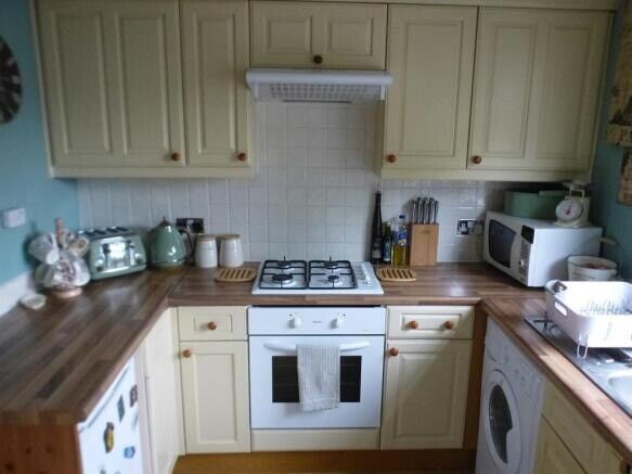 Prime Lovely 3 Bedroom House To Rent In Luton Close To Airport M1 Town Centre In Luton Bedfordshire Gumtree Home Interior And Landscaping Pimpapssignezvosmurscom