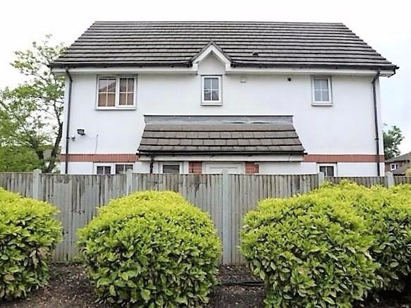 VIEW TODAY - 3 BEDROOM HOUSE AVAILABLE IN ILFORD LANE