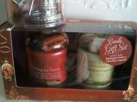 *** GORGEOUS XMAS CANDLE GIFT SET WITH CAROUSEL CANDLE TOPPER.
