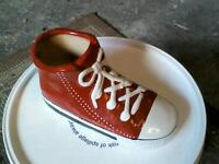 ** SMALL RED SHOE PLANT POT