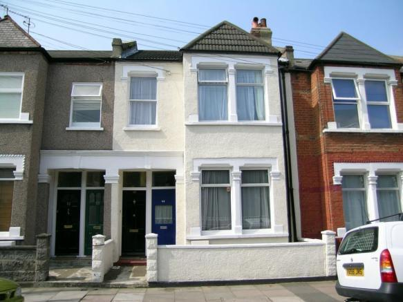 Newly Refurbished, Ultra-Modern Top Spec Period Maisonette.