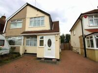 Spacious 3 bed house ideal for family available in Hayes/Harlington close to Heathrow