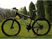 Green and Black 2016 Giant Mountain bike NEW boxed 26inch Medium Size