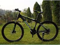Green black 2016 Giant Mountain bike NEW boxed 26inch Medium Size