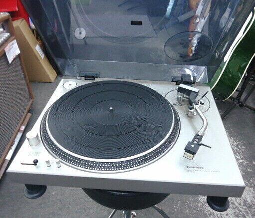 Technics SL-1200 Direct Drive Record Player Turntable