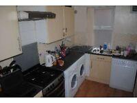 8 bedrooms in Lucas Place, Leeds, LS6 2JB
