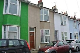 1 Room in a 3 Double Bedroom house, Belgrave Street, Brighton.