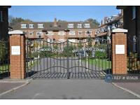 2 bedroom flat in Beechwood Court, Carshalton, SM5 (2 bed)