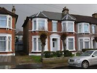 NEWLY RENOVATED: 2/3 BEDROOM FLAT: 3 BATHROOMS: 5MINS WALK TO GOODMAYES STATION: READY TO MOVE IN!