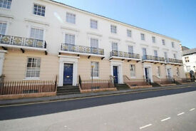 Beautiful Maisonette Grade II Listed Georgian Townhouse - Paved Patio - Lease £86 Mnth. Parking
