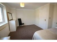 Beautiful Large Spacious Bedroom (with own bathroom) in modern 3 bedroom semi-detached property