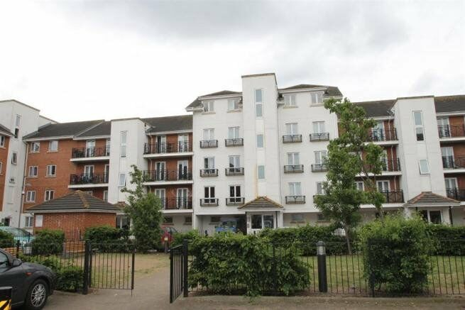 HOT HOT HOT 2 BED ABBEY WOOD. PARKING SPACE CALL NOW.