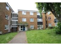 2nd Floor Flat with large Double Room with Reception. Walking distance to Edgware