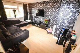 2 x Double rooms and 1 single room available to let - Beautiful Location