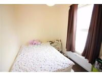 Two bedroom Flat in Charlton Road Kingswood