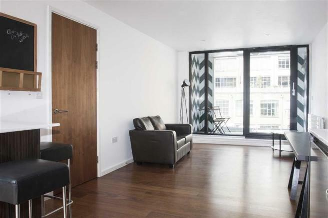 NEWLY BUILT 3 BEDROOM APARTMENT LOCATED MINUTES FROM MANOR HOUSE TUBE STATION
