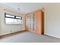 Beautiful Three bed house on Neville Road,Barkingside IG6 2LN with TWO TOILET
