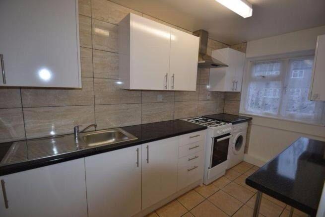 2 Bedroom split level flat in Southall UB2