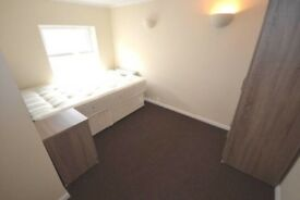 Need to find replacement tenant asap - one bed flat near Reading Station, £800PCM