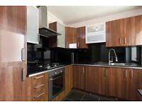 Bright And Spacious 3 Bedroom 2 Bathroom Apartment Located Near Highbury & Islington Station.