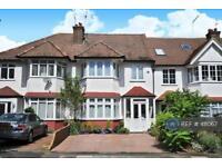 3 bedroom house in Mayfield Avenue, London, N12 (3 bed)