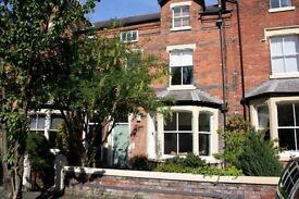 Two bedroom flat. Lytham, part furnished, parking. Central location.