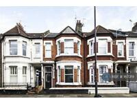 4 bedroom house in Elspeth Road, London, SW11 (4 bed)