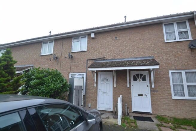 BEAUTIFUL TWO BEDROOM HOUSE AVAILABLE NOW IN DAGENHAM..MUST SEE!! PART DSS ACCEPTED!!ONLY £1375 PCM