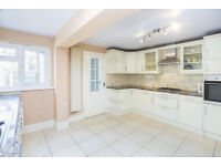 Massive and modern 3 bed house in Bermondsey ideal for sharers!